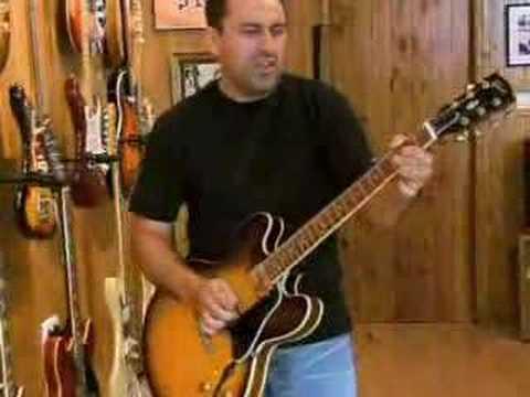 Charlie Guitar (Vintage guitars)