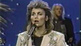 Emmylou Harris, Dolly & Linda - To Know Him Is To Love Him