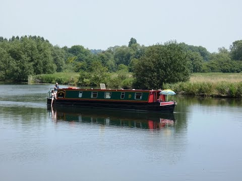 Oxfordshire Country Walk   Sonning Eye to Shiplake and the River Thames round