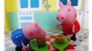 Свинка Пеппа. Пеппа и Джордж играют дома. Джордж не хочет играть с Пеппой и спасать принцессу