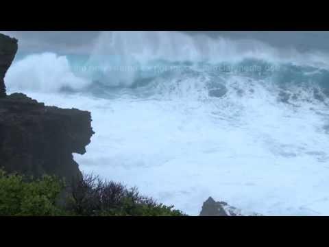 Monster Waves From Super Typhoon Neoguri Miyakojima, Okinawa 台風第8号