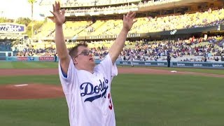 STL@LAD: Champ Pederson throws out first pitch