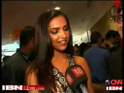 Deepika Padukone inaugurates a designer store (short interview with her, IBN Live)!