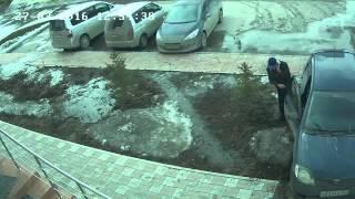 Боги парковки в Бердске. Подростки чуть не задавили людей