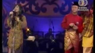 Edie Nazrin&Asmidar - Selasihku Sayang (2007)