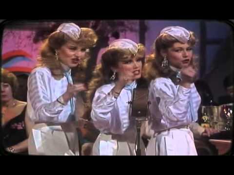 Karaoke The Andrews Sisters Medley - Video with Lyrics ...