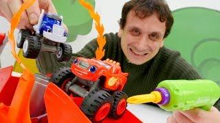 La  Scuola Divertente. Giochi con le mega macchine. Video in italiano