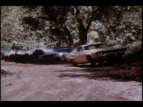 The Dukes of Hazzard: Bo destroys Daisy