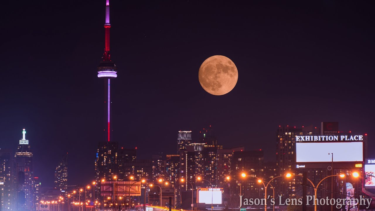 Supermoon 2017 3rd December S Full Cold Moon From Toronto Canada