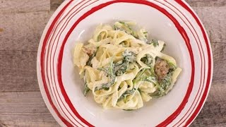 Sunny Anderson's Easy Chicken and Spinach Fettuccine with Creamy 1-2-3 Cheese Sauce