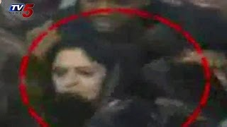 Actress Nagma Slaps Young Boy for Pressing Her Private Parts   TV5 News