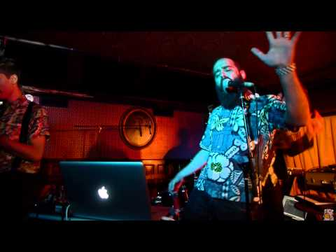 Capital Cities - I Sold My Bed But Not My Stereo (live @ Union Hall 10/17/12 CMJ)