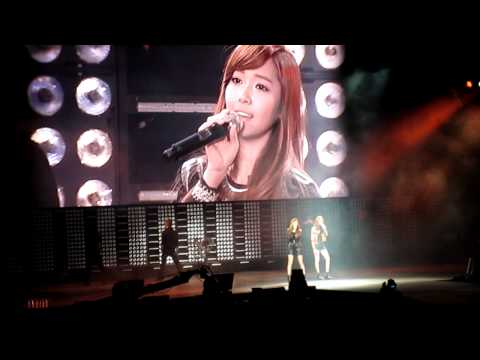 """[Fancam] SNSD Jessica And F(x) Kristal """"Tik Tok"""" In SMTown Live In New York"""