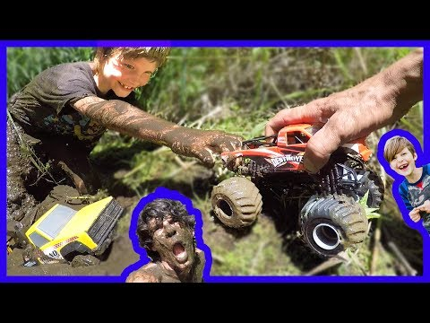 Monster Truck Mud Pit Rescue!