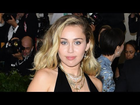 Miley Cyrus Wipes ENTIRE Instagram Clean & Fans Are Freaking Out