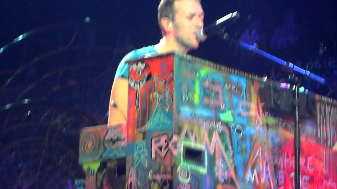Download Coldplay - Christmas Lights (Live - Berlin 21.12.2011)