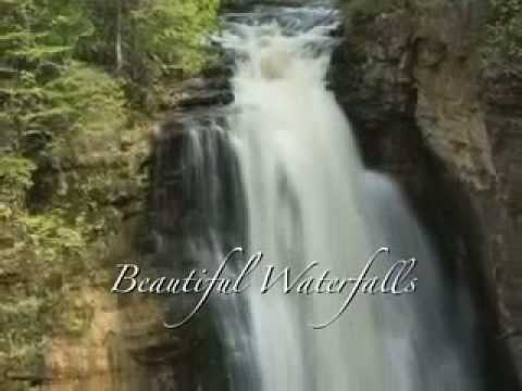 Munising Michigan Travel Guide - Upper Peninsula MI