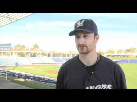 Brewers: Axford and Lucroy Stay in Shape