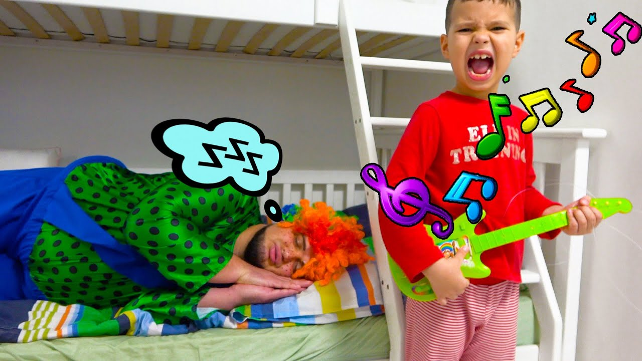 Егорка и Карлос делают вид что Играют в Разбуди дядюшку