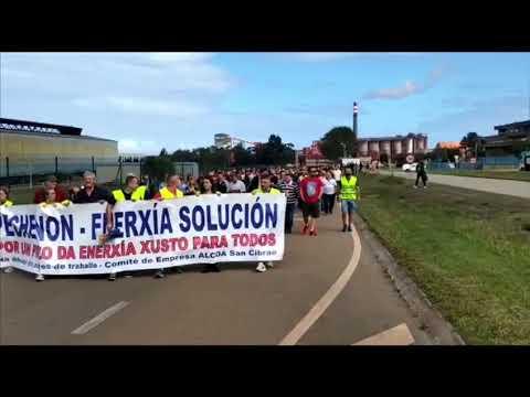 Los trabajadores de Alcoa vuelven a manifestarse por la paralización de las cubas