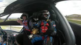 Naskočte do kabiny 900hp M3 turbo na několik kol na Mosteckém okruhu