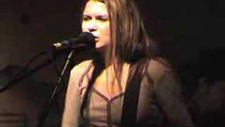 Watch Juliana Hatfield Dame With A Rod video