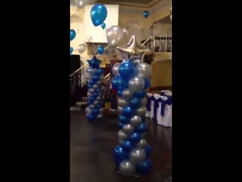 Decoracion para xv a os azul rey con plata youtube for Decoracion con globos 50 anos