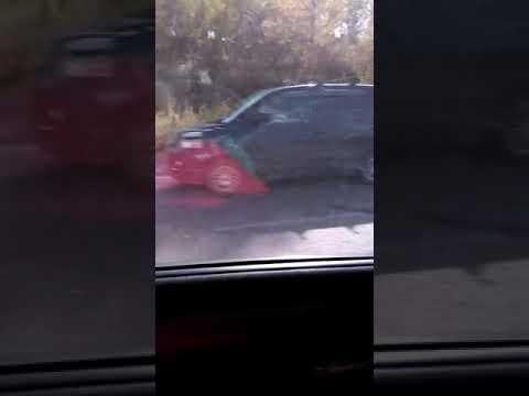 Видео ГИБДД-ДПС.РФ: Авария на въезде в Новокузнецк 1