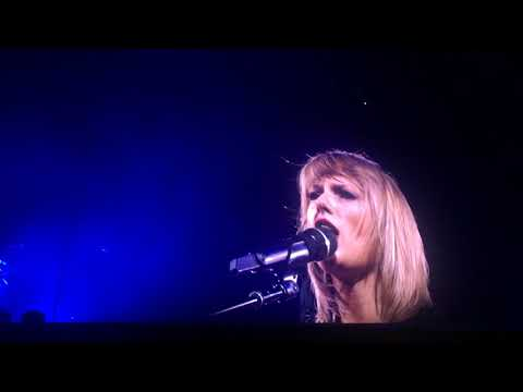 Taylor Swift - Fearless (LIVE) FULL VIDEO - B Stage 1989 TOUR THROWBACK