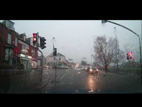 Dashcam UK Roadrage - Honda Civic Vs 4x4 - (bully Driving Nearly Crash)