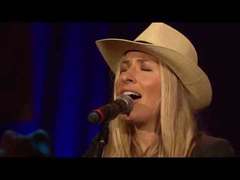 "2013 Official Americana Awards - Holly Williams ""I'm So Lonesome I Could Cry"""