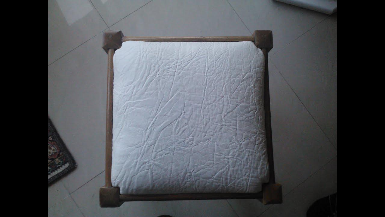 C mo tapizar un taburete trucos tips consejos youtube for Tapizar sillas de madera