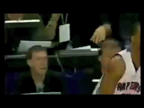 Vince Carter Playfully slaps Mo Peterson, he slaps him back and gets ejected