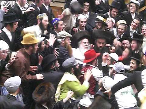 Sanz-Klausenberger Purim Tish 5769