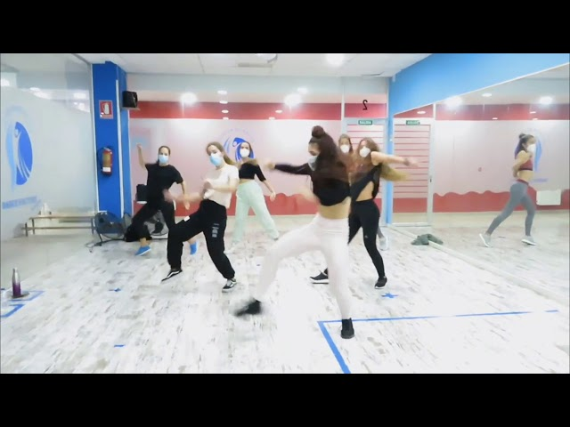 Formación-workshop Ana Alonso Dancehall 3.10.20