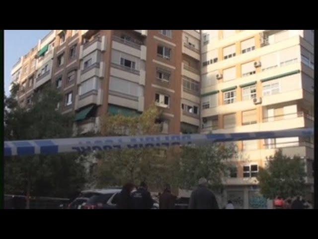 Realojan a vecinos de edificio incendiado en Granada donde ha muerto una mujer
