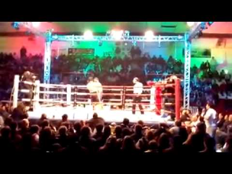 Walter ''El Boqui'' Santana vs. Sergio Timo.