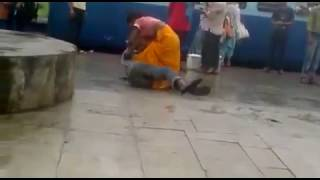 funny video wife beating her husband at a railway station india 2017