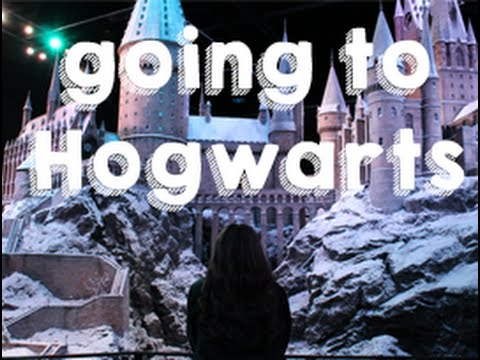 VISITING LONDON AND HOGWARTS - VLOG 16 BY EVELIEN