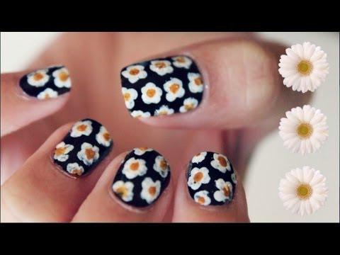 simple daisy print nails tools