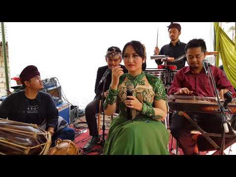 Pop Sunda : Lamunan
