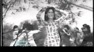 Zubaida Khanum... Punjabi song.