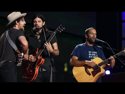 Jack Johnson with The Avett Brothers - Better Together (Live at Farm Aid 2017)