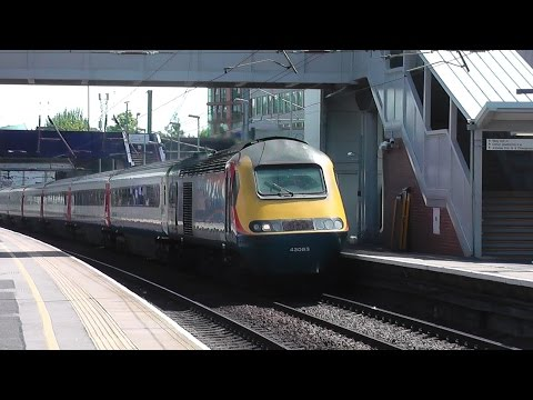 Trains at West Hampstead Thameslink 26/05/15