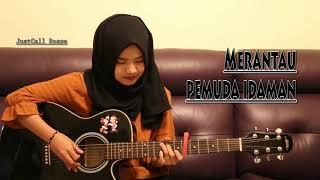 cewek cantik berhijab bermain gitar.        subscribe dan like guyss