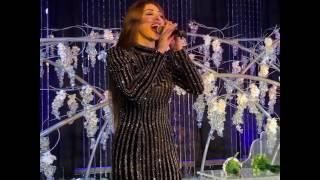 ميريام فارس مثيرة في حفل زفاف بأبو ظبي (فيديو)
