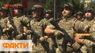 Военный парад в Мариуполе: 5 лет освобождения города