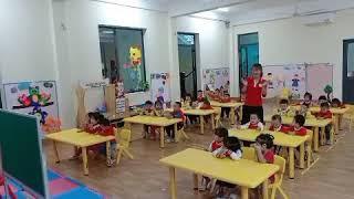 Tô màu ngôi nhà lớp 3-4 Tuổi