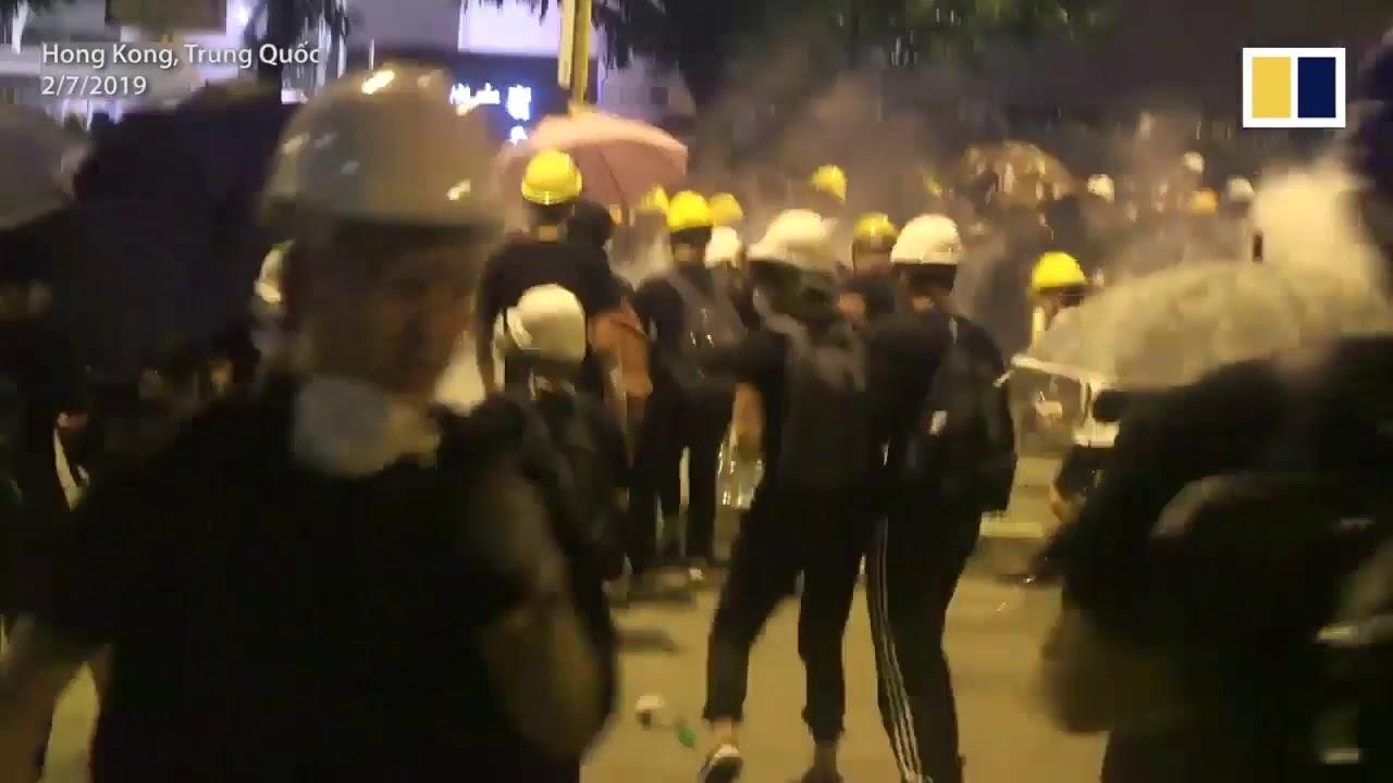 Kinh hoàng bạo động tại cơ quan lập pháp Hongkong mới nhất