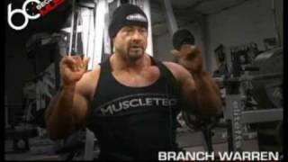 Тренировка плеч: жимы гантелей